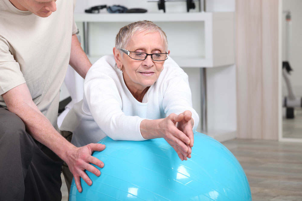 seniorka-rehabilitace