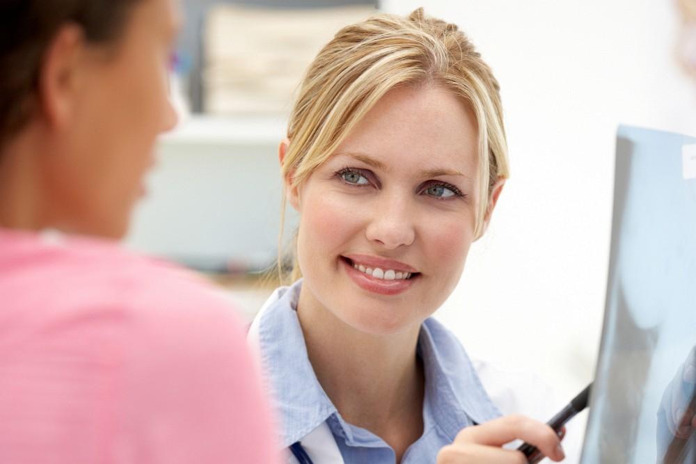 lékařka s pacientkou