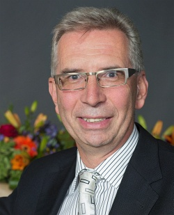 prof_Neuzil2014-250