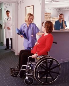 těhotná na vozíku