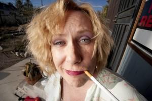 kouřící babička