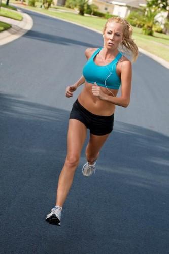 žena sportuje