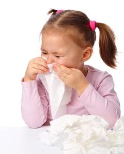 při popisu bronchiektázie holčička trpí respiračními potížemi -respirační syncyciální virus